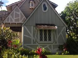 HISTORIC HOME ON KAHALA AVE
