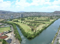 ALA-WAI-CANAL-AND-BIKE-PATH-AROUND-GOLF-COURSE