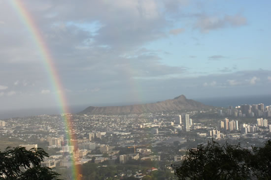 VIEW OF HONOLULU FROM ROUND TOP DRIVE
